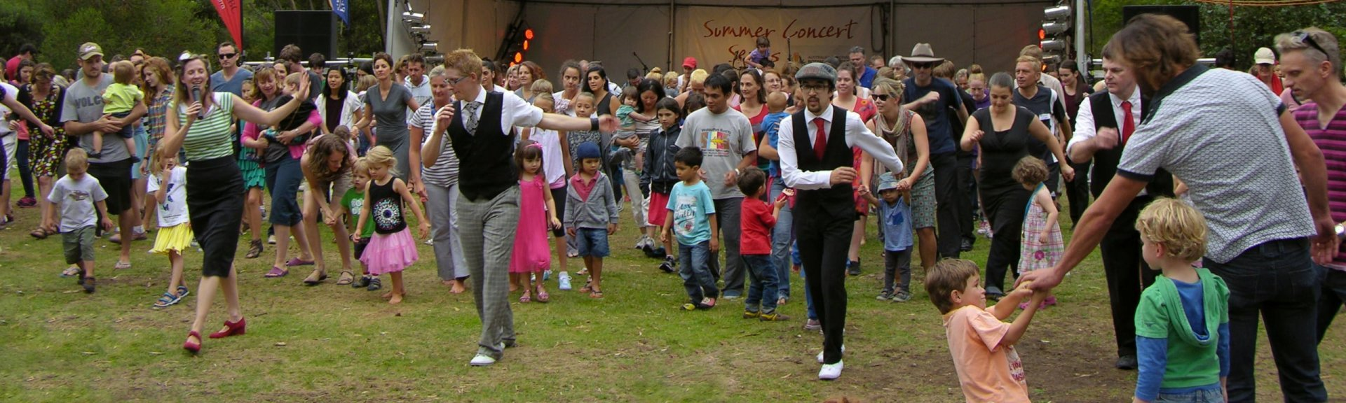 Canberra Swing Katz leading a dance at Summer Sounds