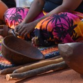 Presentation on traditional women's tools at the Cultural Centre